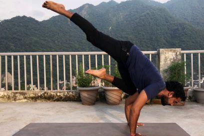 Eka Pada Baka Dhyanasana (One-Legged Crane Pose)– Instructions, Alignment & Benefits