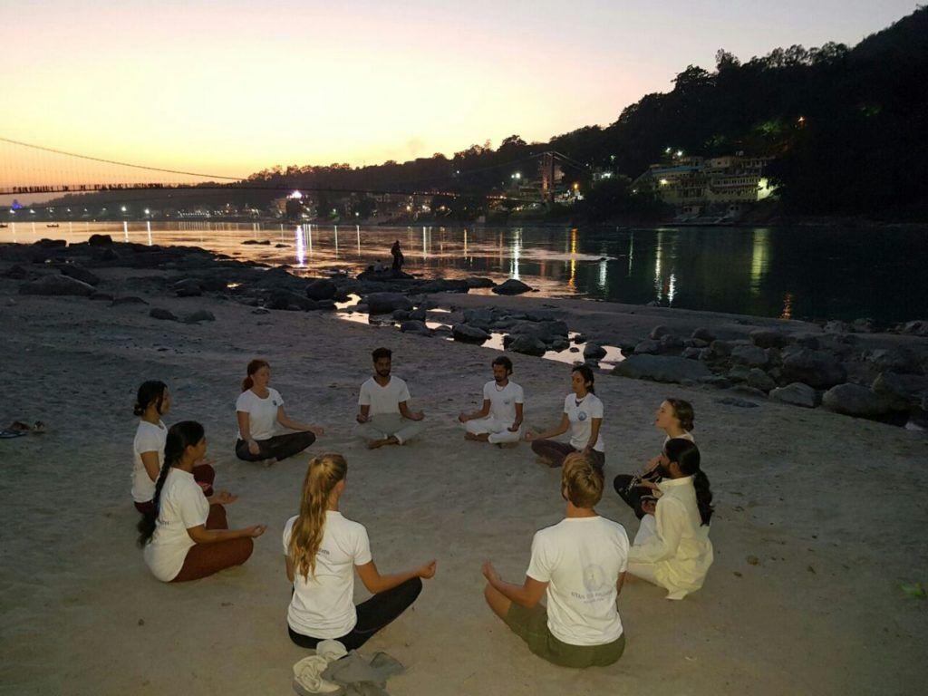 yoga teacher training at gyan yog breath