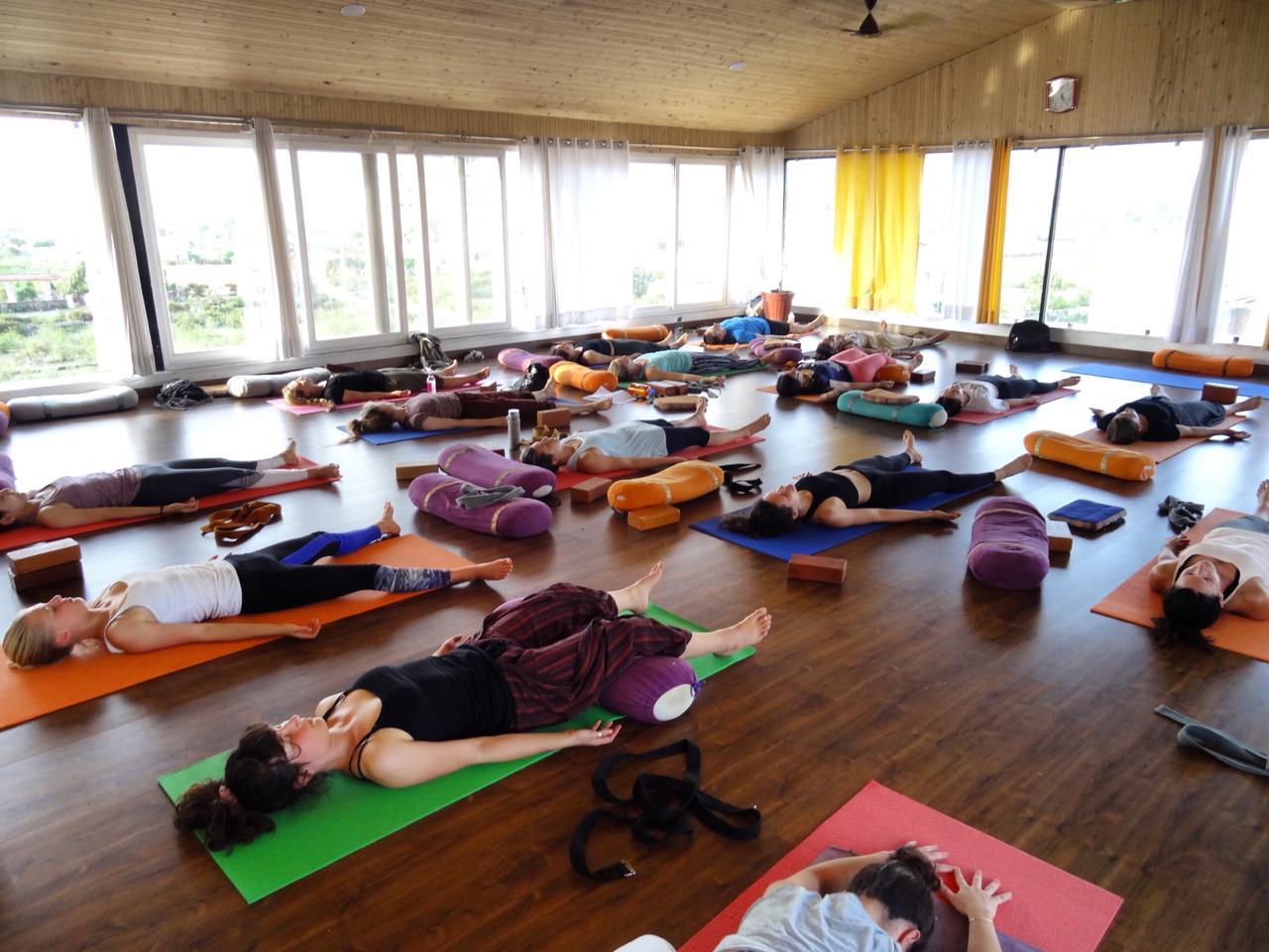 Best Yoga Mat 2020.Top 3 Yoga Retreats In Southeast Asia In 2019 2020 Gyan