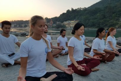 5 ways to incorporate meditation in your yoga class
